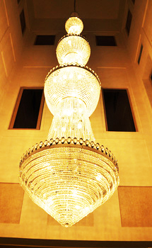 turkish-courtyard-chandelier
